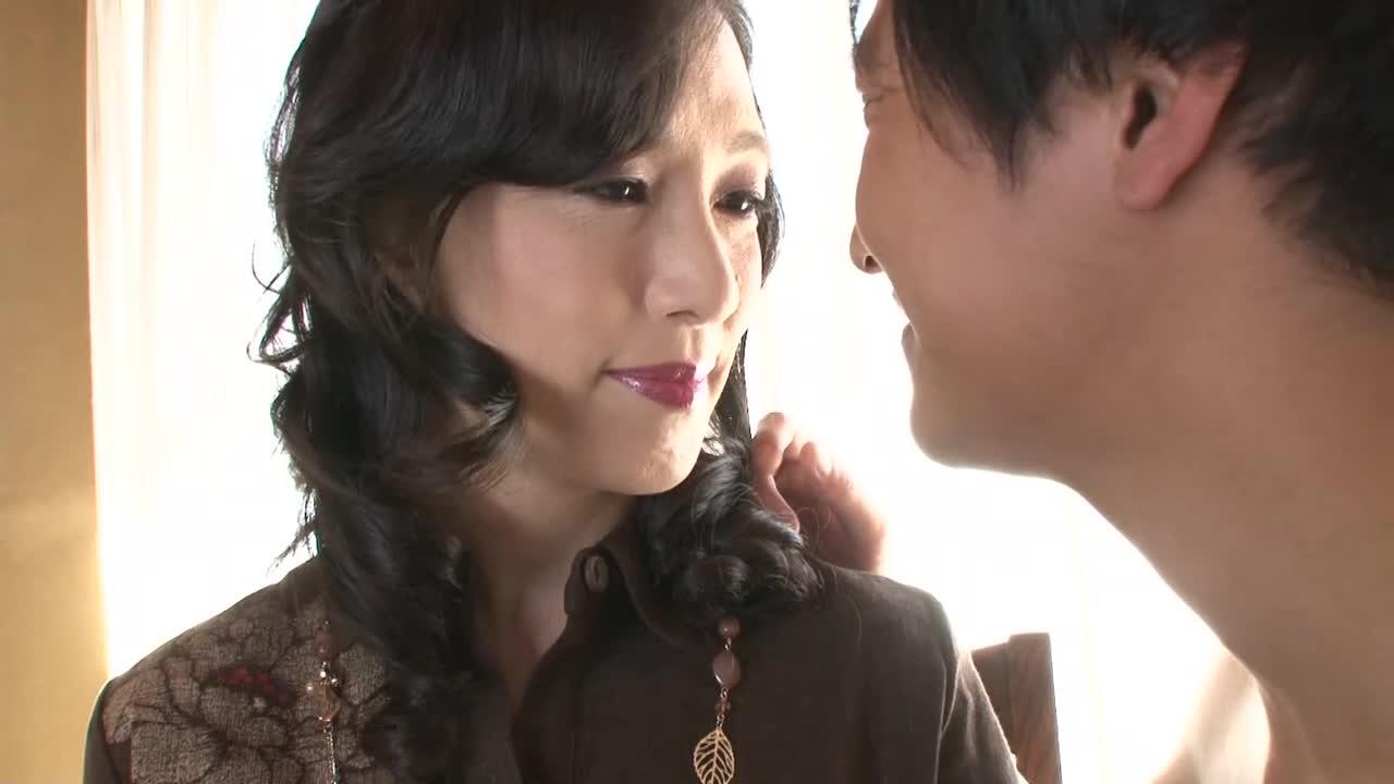 【服部圭子/五十路】53歳の年増の美熟女がアダルトビオに初出演する素人企画
